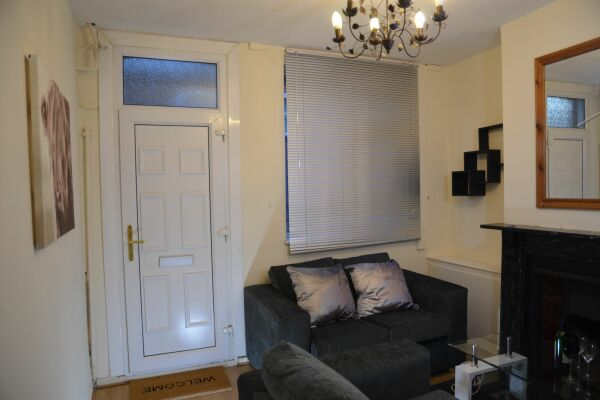 Living Area, Ridgeway Road Serviced Accommodation, Luton