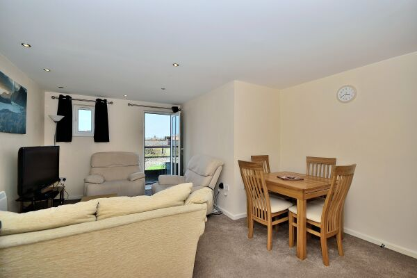Living and Dining Area, Saddlery Way Serviced Apartment, Chester