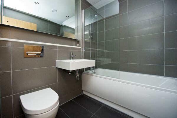 Bathroom, Piccadilly House Serviced Apartments, Manchester