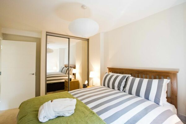 Bedroom, The Apex Serviced Apartment, St.Albans
