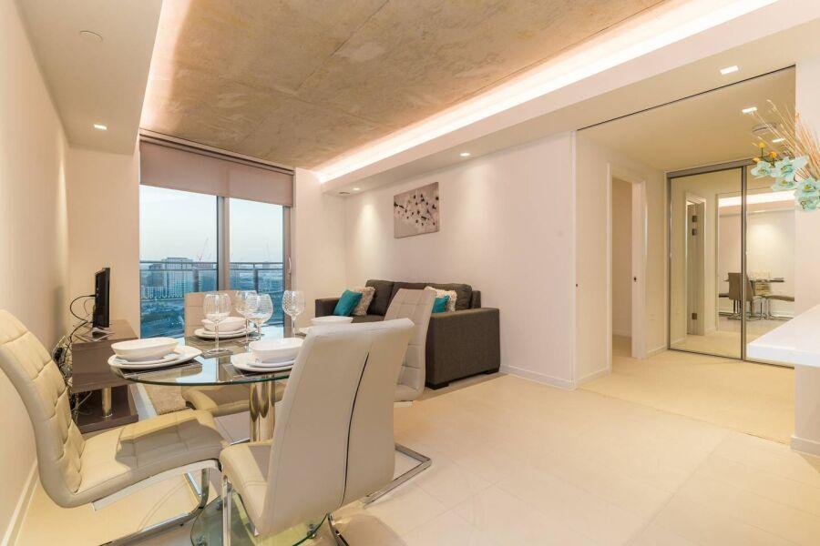 Hoola Apartments - Royal Docks, East London