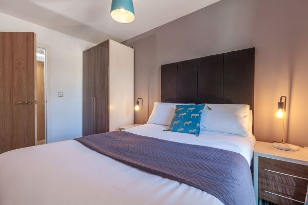 Waterloo Court Serviced Apartments in Leeds, Bedroom