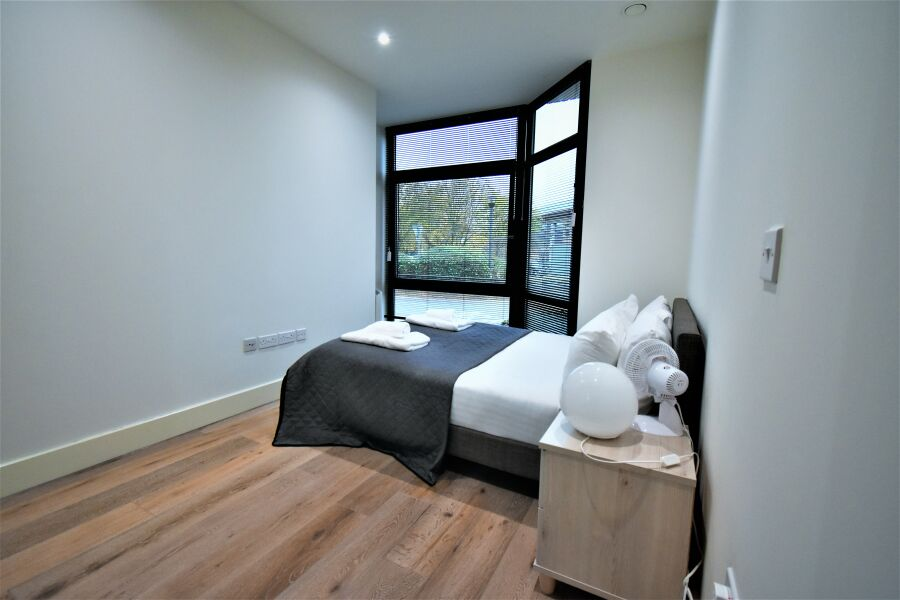 Mondial Apartments - Heathrow Airport, West London