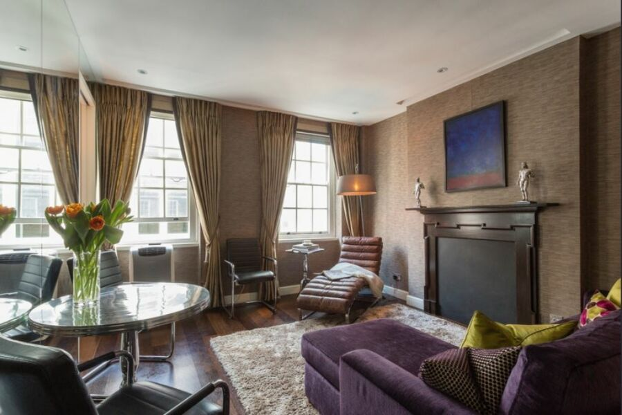 Duke of York Street Apartment - St. James's, Central London