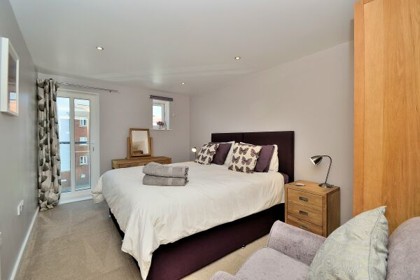 Bedroom, The Racecourse Serviced Apartments, Chester