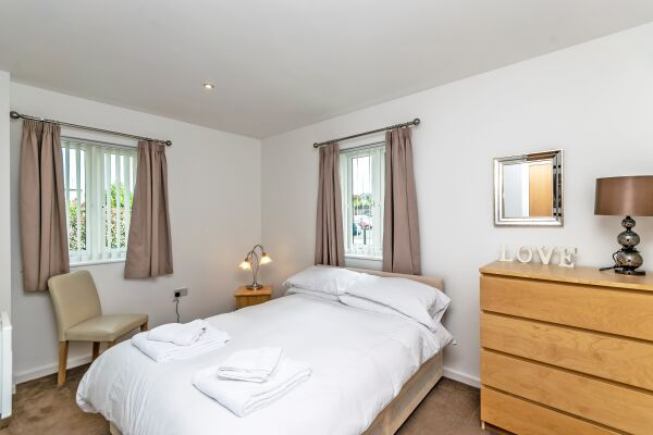 Bedroom, The Racecourse 140 Serviced Apartment, Chester