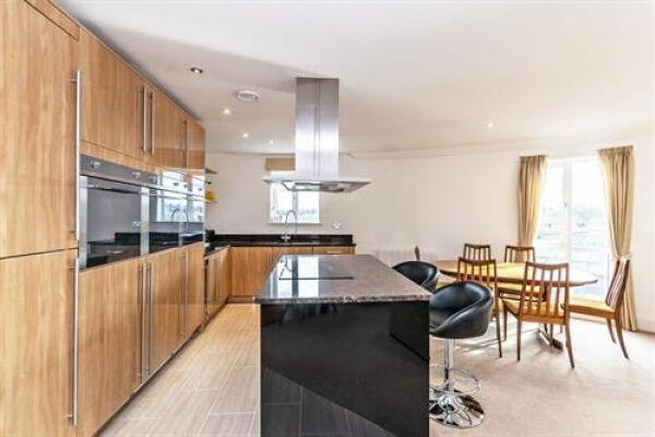 Kitchen, Saddlery Way Serviced Accommodation, Chester