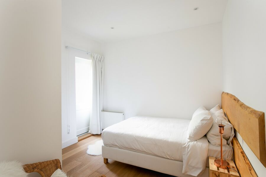 Comeragh Road Accommodation - Hammersmith, West London