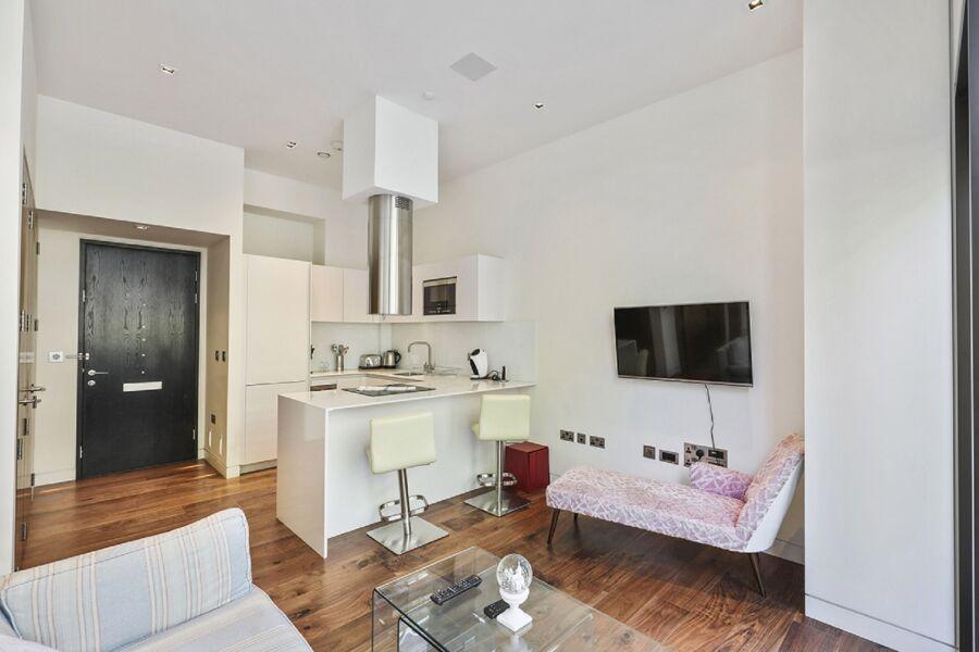 London Wall Apartment - Barbican, The City
