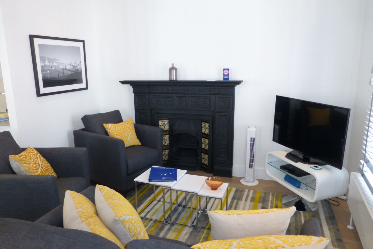 Living Room, Shaftesbury Avenue Serviced Apartments, Soho, London