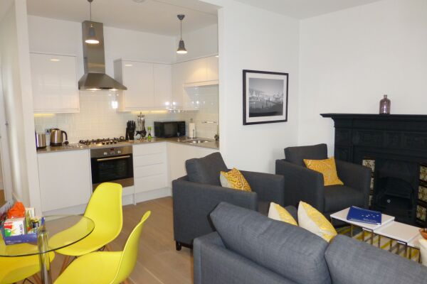 Living Area, Shaftesbury Avenue Serviced Apartments, Soho, London