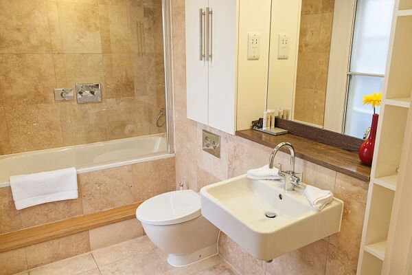 Bathroom, Wellington Street Serviced Apartments, Covent Garden, London