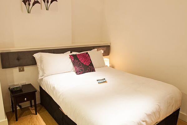 Bedroom, Wellington Street Serviced Apartments, Covent Garden, London