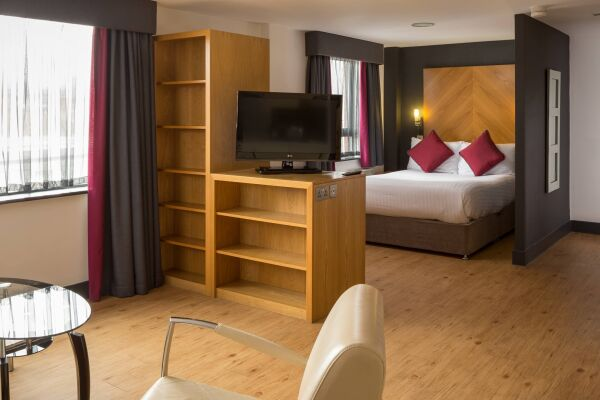 Leeds City West Serviced Apartments, Bedroom