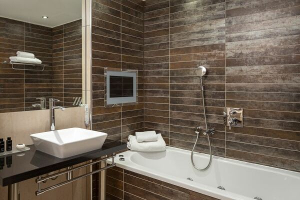 Bathroom, Princess Street Serviced Apartments, Manchester