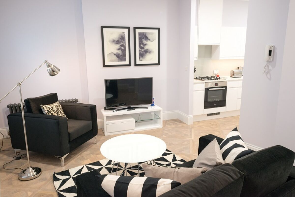 Living Room, Shaftesbury Mansions Serviced Apartments, Leicester Square