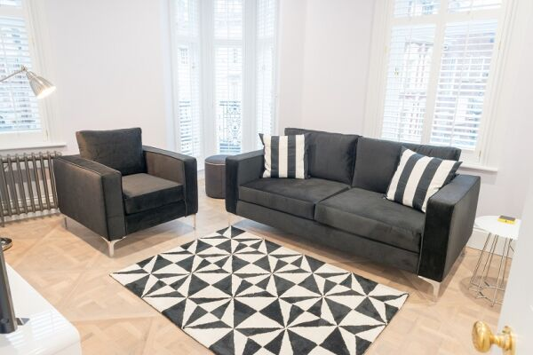 Living Area, Shaftesbury Mansions Serviced Apartments, Leicester Square