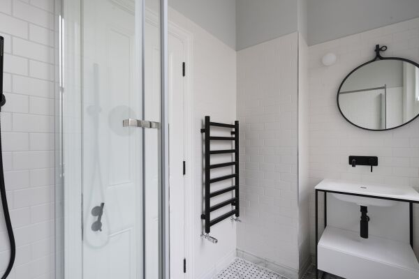 Shower Room, St Martin's Lane Serviced Apartments, London