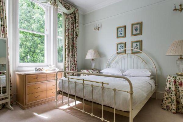 Bedroom, Elgin Crescent VIII Serviced Accommodation, Notting Hill