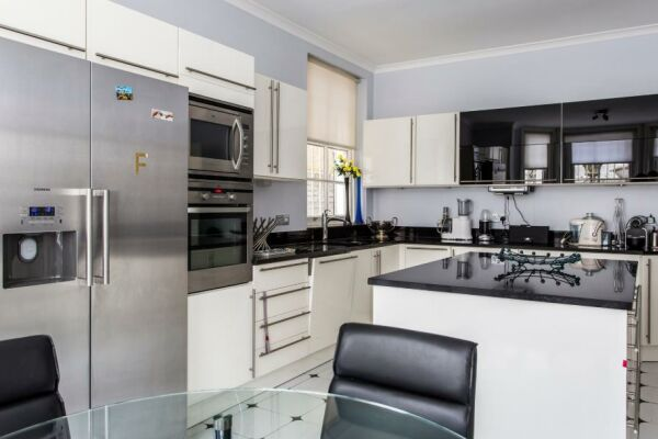 Kitchen, Elgin Crescent VIII Serviced Accommodation, Notting Hill
