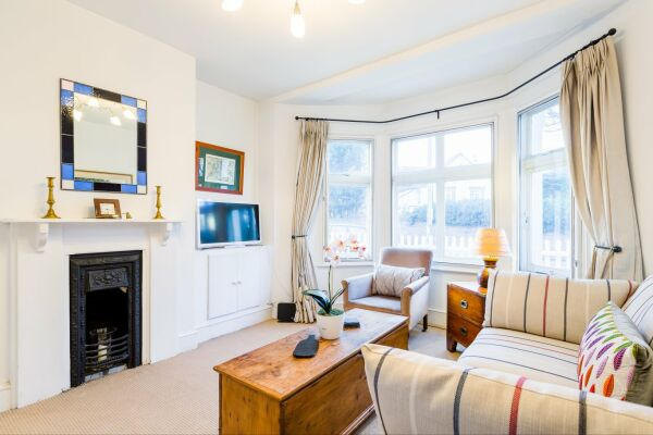 Living Room, Quince Cottage Serviced Apartments, Cheltenham