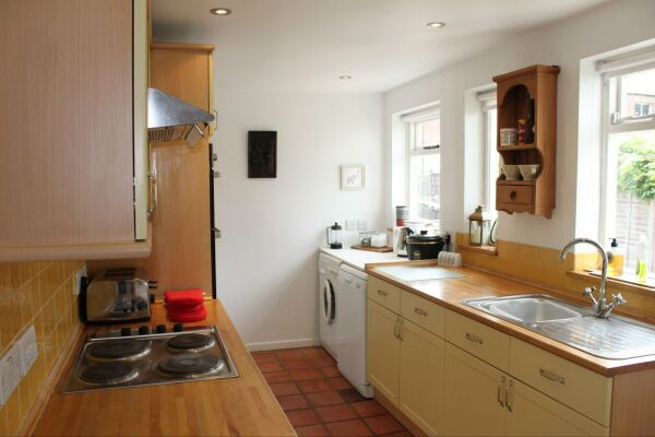 Kitchen, Quince Cottage Serviced Apartments, Cheltenham