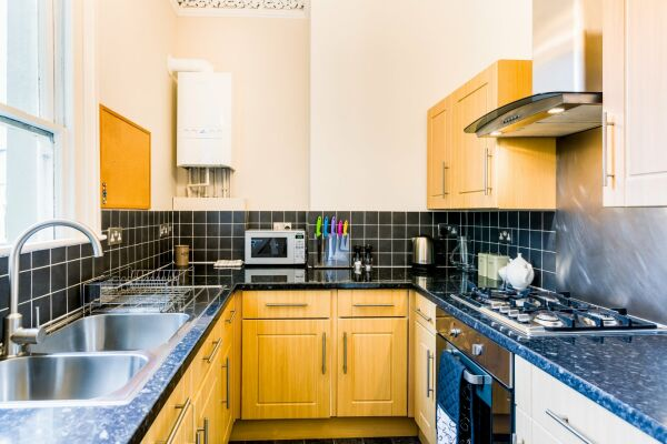 Kitchen, College Road Serviced Apartment, Cheltenham