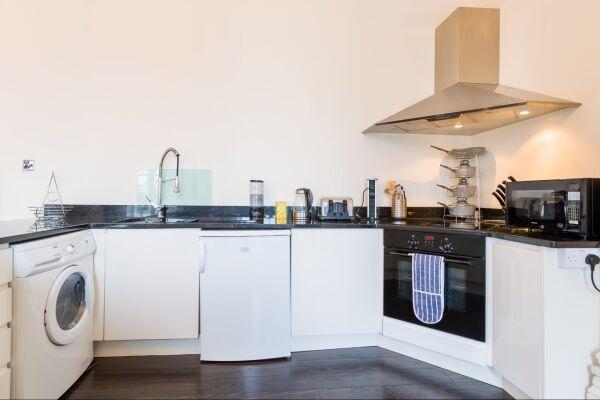 Kitchen, Croft House Serviced Apartments, Cheltenham