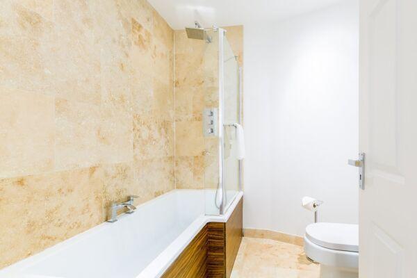 Bathroom, Croft House Serviced Apartments, Cheltenham