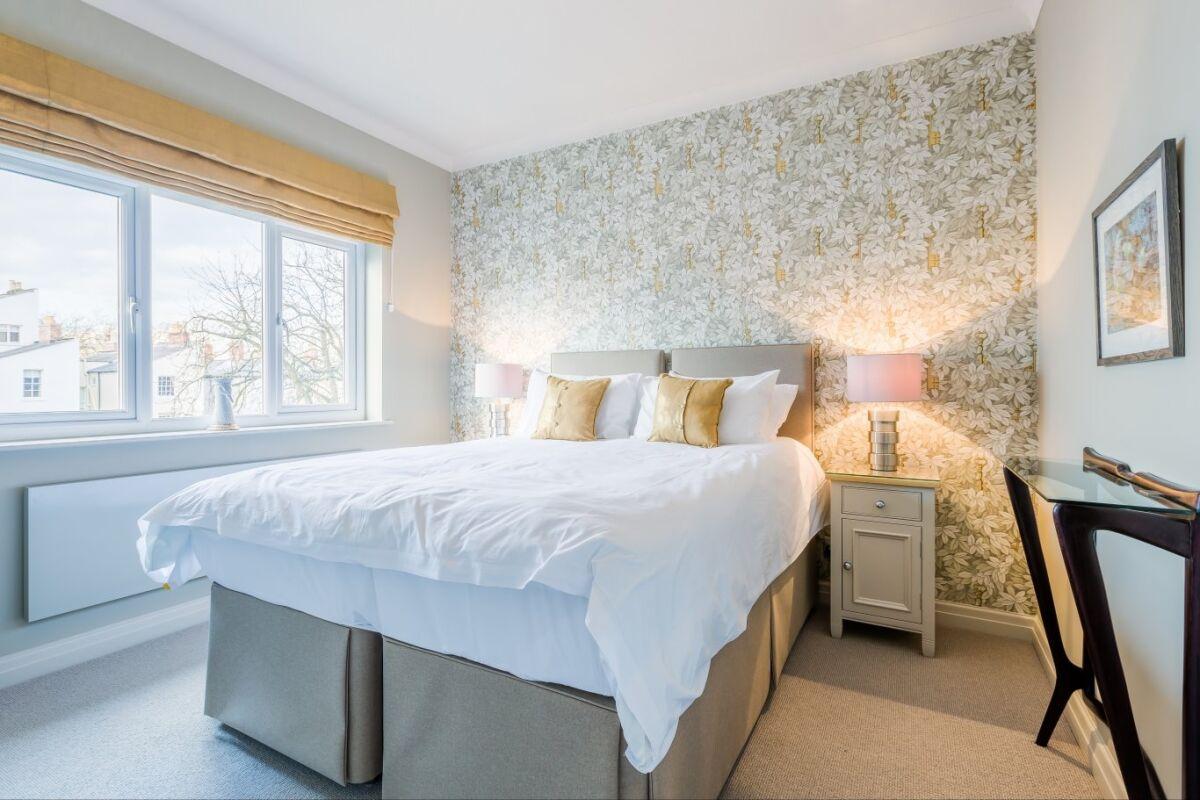 Bedroom, Parade Serviced Apartment, Cheltenham