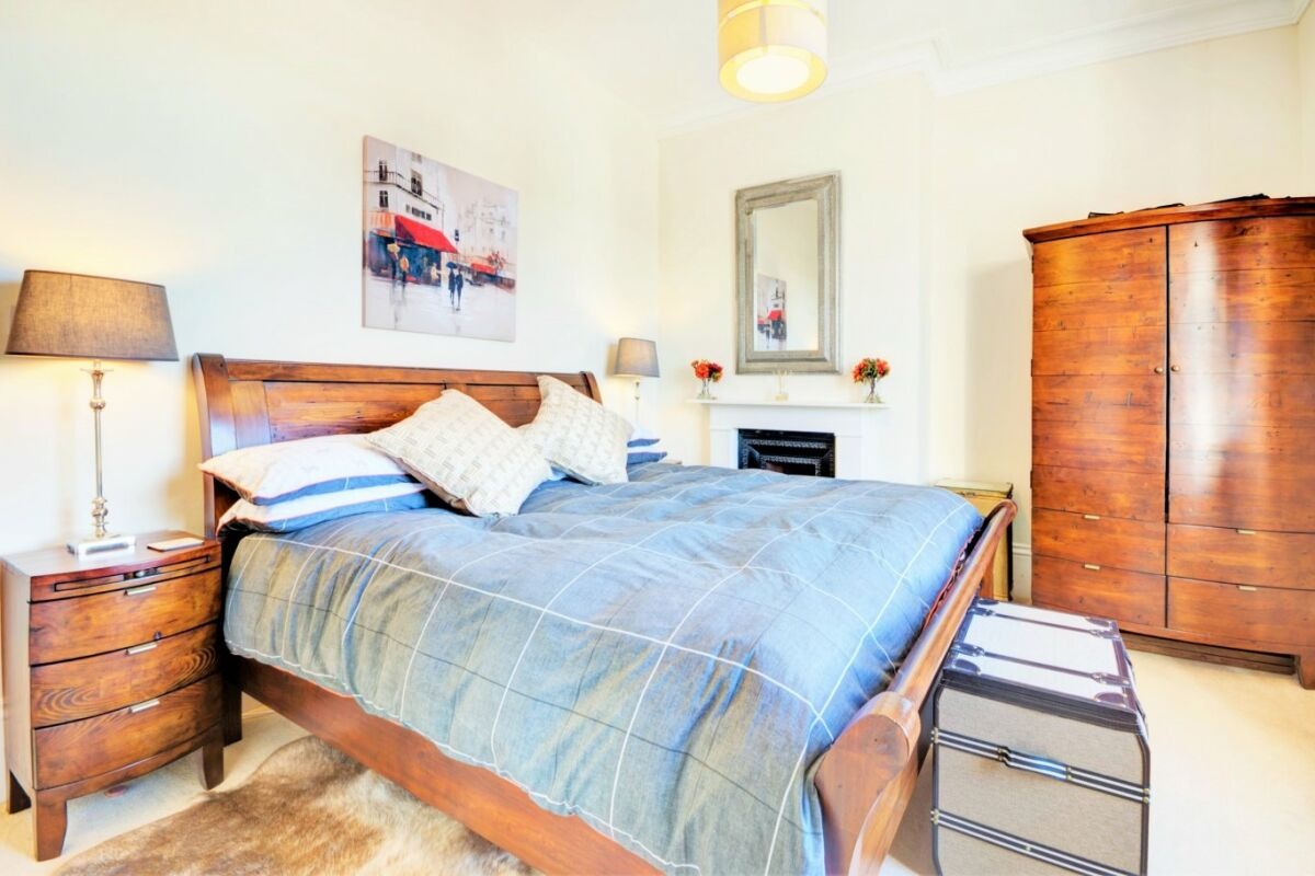 Queens Parade Apartment - Cheltenham, Gloucestershire