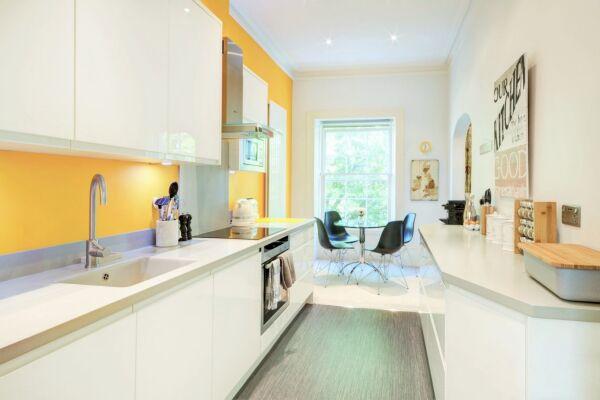 Kitchen, Queens Lane Serviced Apartments, Cheltenham