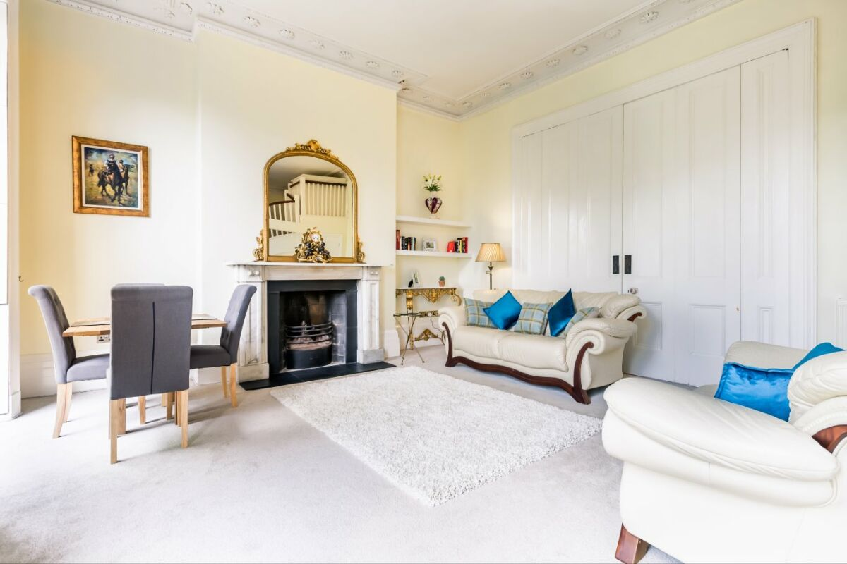 Living Area, Lansdown Crescent Serviced Apartment, Cheltenham
