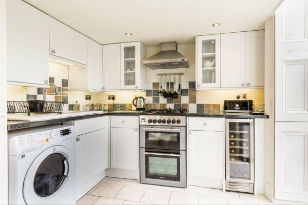 Kitchen, Lansdown Crescent Serviced Apartment, Cheltenham