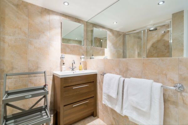 Bathroom, Lansdown Crescent Serviced Apartment, Cheltenham