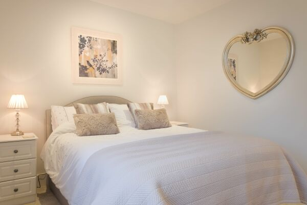 Bedroom, 78 Suffolk Road Serviced Apartment, Cheltenham
