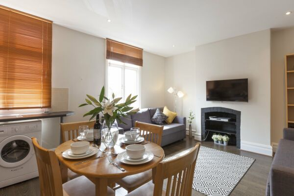 Dining Area, Victorian Towers Serviced Apartment, Leicester