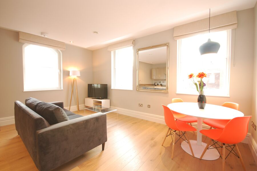 Whitehall Apartments - Westminster, Central London