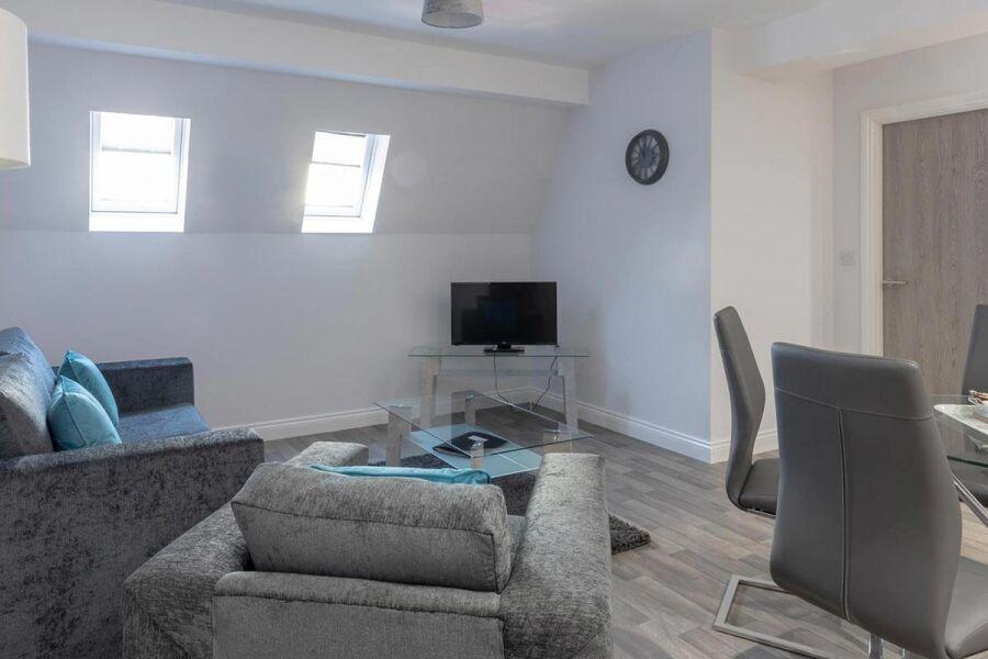 Carillon Court Apartments - Loughborough, United Kingdom