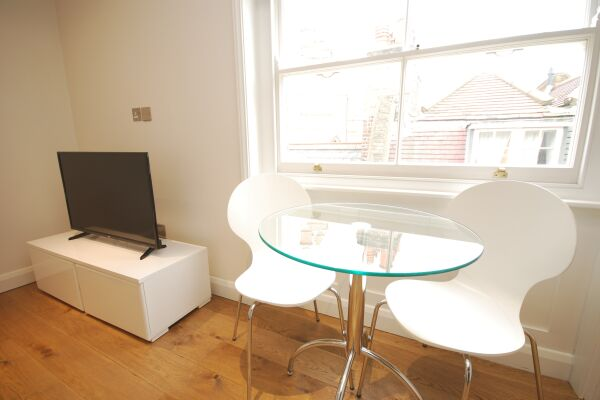 Dining Area, Earlham Street Serviced Apartments, Covent Garden