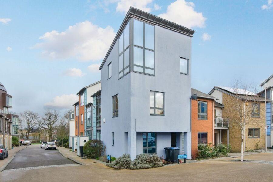 Crossways Apartment - Harlow, United Kingdom