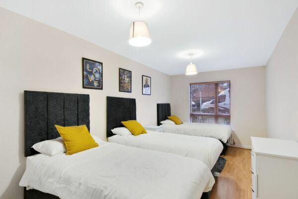 Bedroom, Crossways Serviced Apartment, Harlow