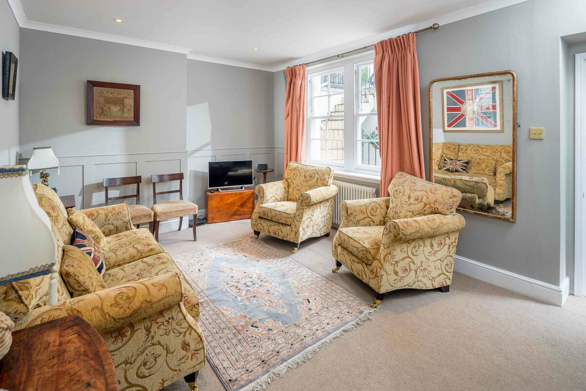 Living Area, Warwick Way Serviced Apartment, London