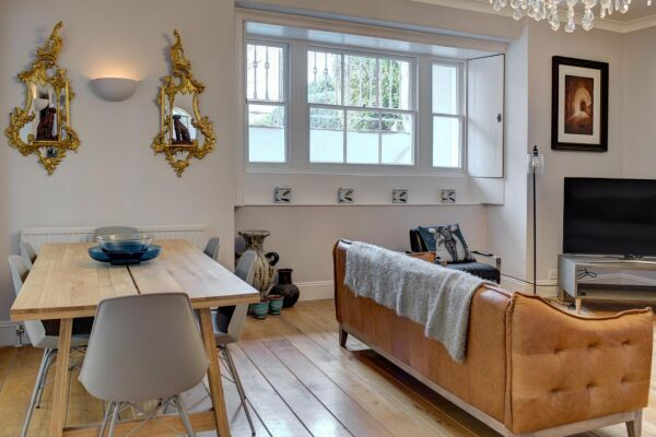 Dining and Living Ara, Lansdown Terrace Serviced Apartment, Cheltenham