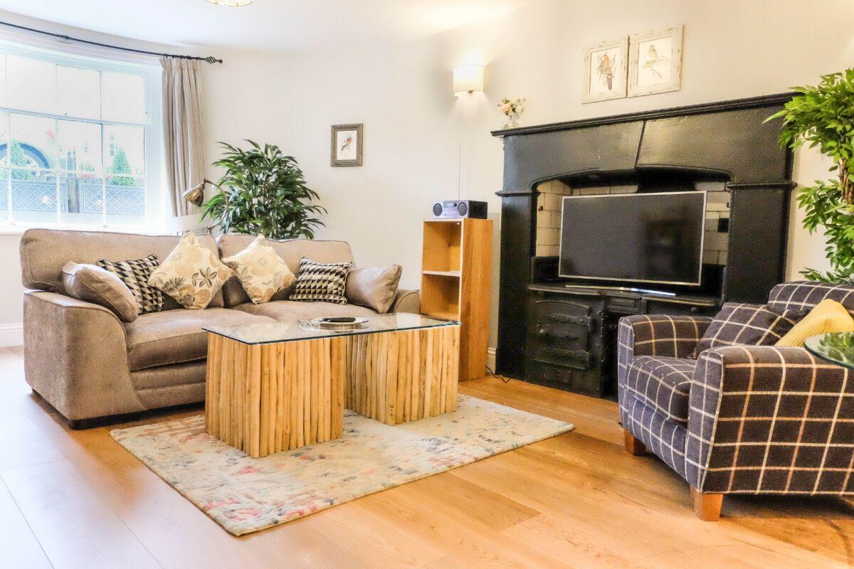 Living Area, Eden House Serviced Accommodation, Cheltenham