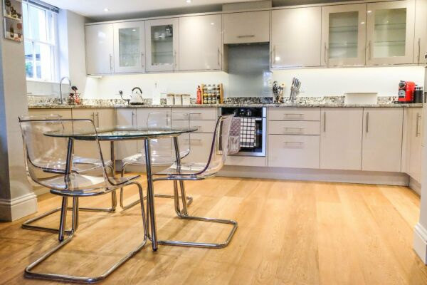 Kitchen and Dining Area, Eden House Serviced Accommodation, Cheltenham