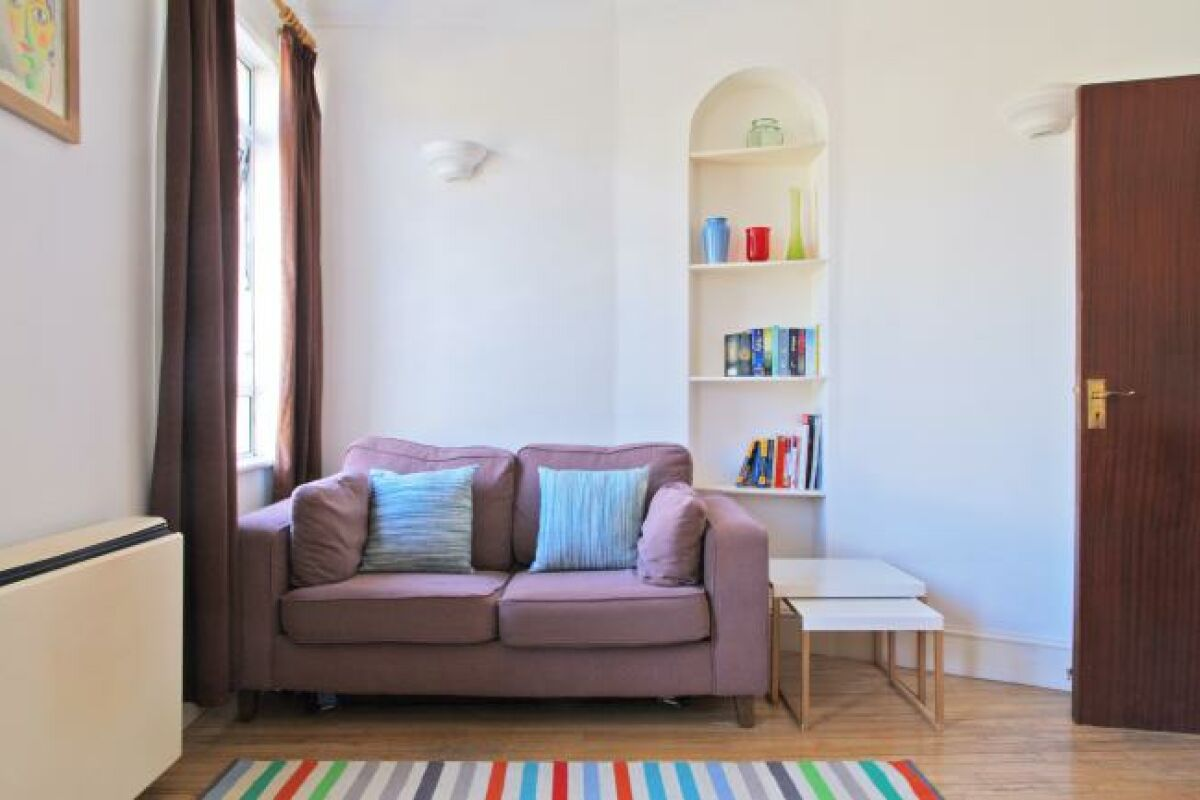 Living Area, Kensington Serviced Apartment, London