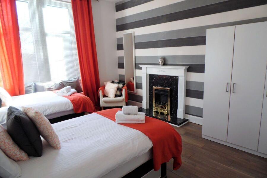 Cross View Apartment - Glasgow, United Kingdom