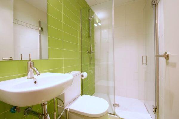 Bathroom, Borne Pop Art Serviced Apartments, Barcelona