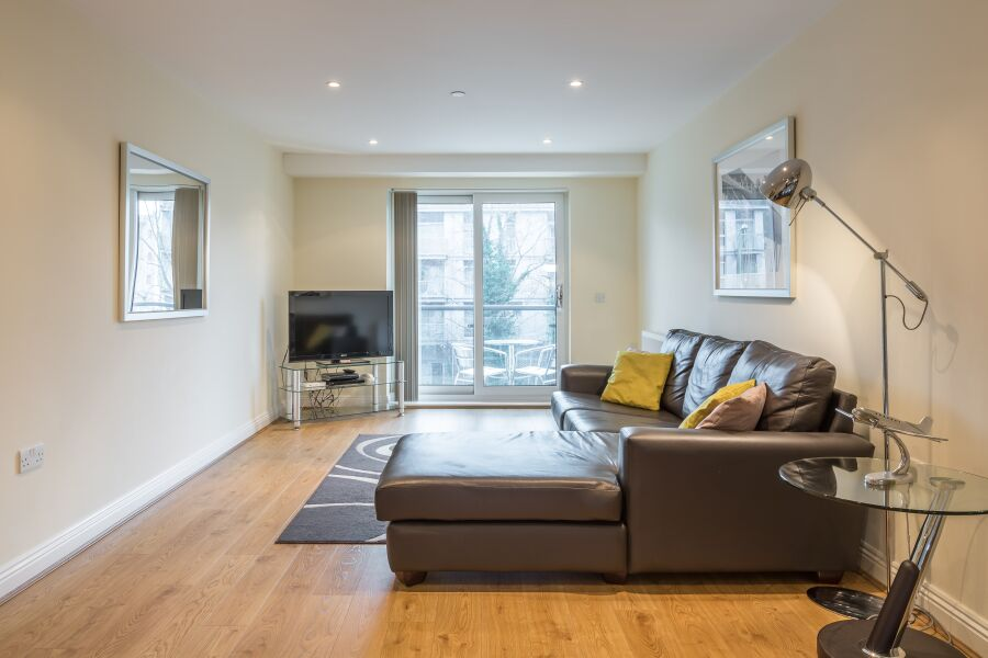Equinox Place Apartments - Farnborough, United Kingdom